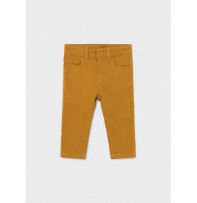 Pantalón largo slim fit...